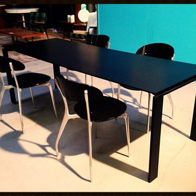 HODS DESIGN Table Knoll