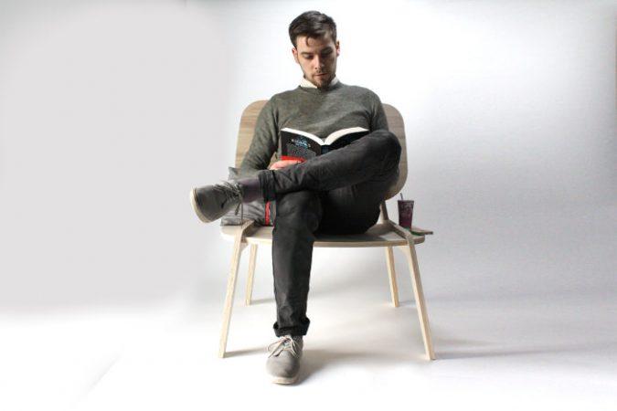 Tim Defleur sur son fauteuil Modèle-Déposé
