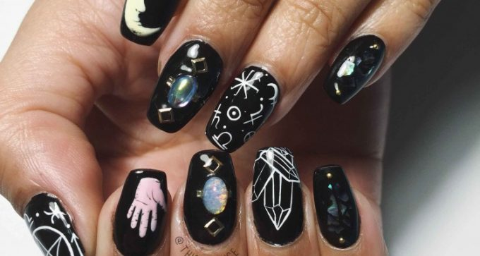 Lille Tattoo - Nail Art by Souchka & Lili Nguyen