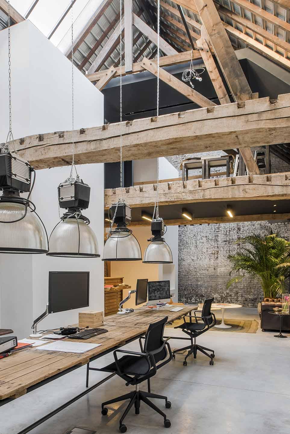 atelier plux dans ses bureaux roubaix emmanuelle morice. Black Bedroom Furniture Sets. Home Design Ideas