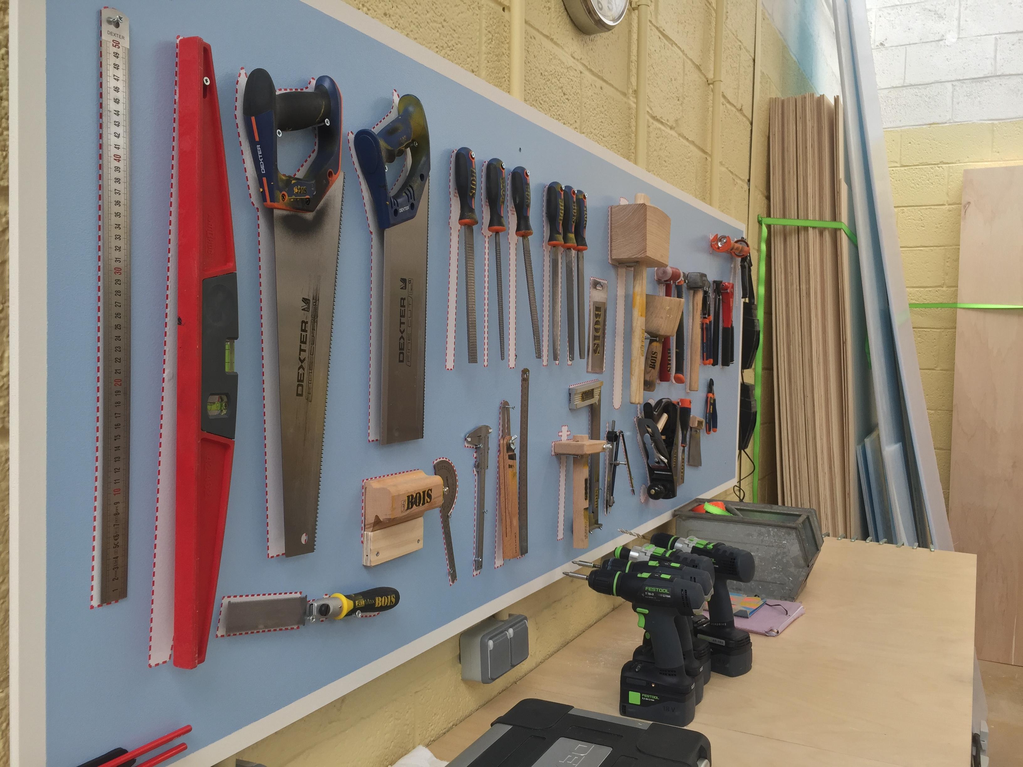 Techshop ateliers cr er fabriquer partager for Fabriquer fenetre atelier bois