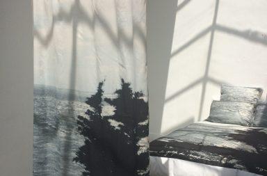 les petits boh mes et d suet dans leur atelier pour une. Black Bedroom Furniture Sets. Home Design Ideas