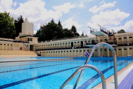 Plongeon dans la piscine art d co bruay la buissi re emmanuelle morice - Deco autour de la piscine ...